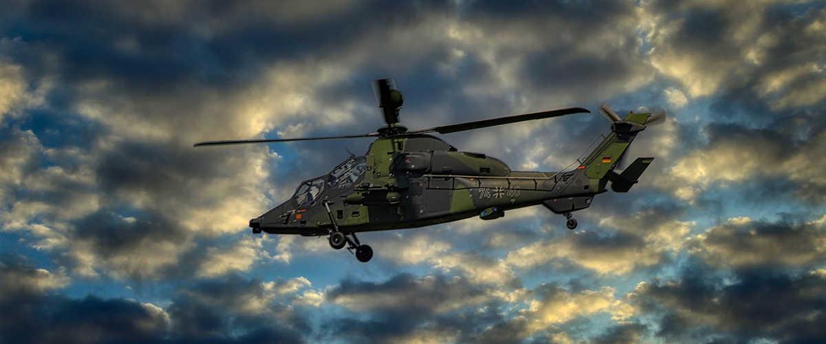 Aufgrund seiner hohen Diversität kommt jede Art von Metall und Legierung in fast allen Anwendungsbereichen des militärischen Komplexes vor.